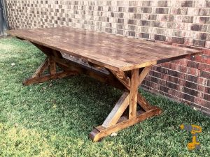 DIY Farmhouse Table Featured