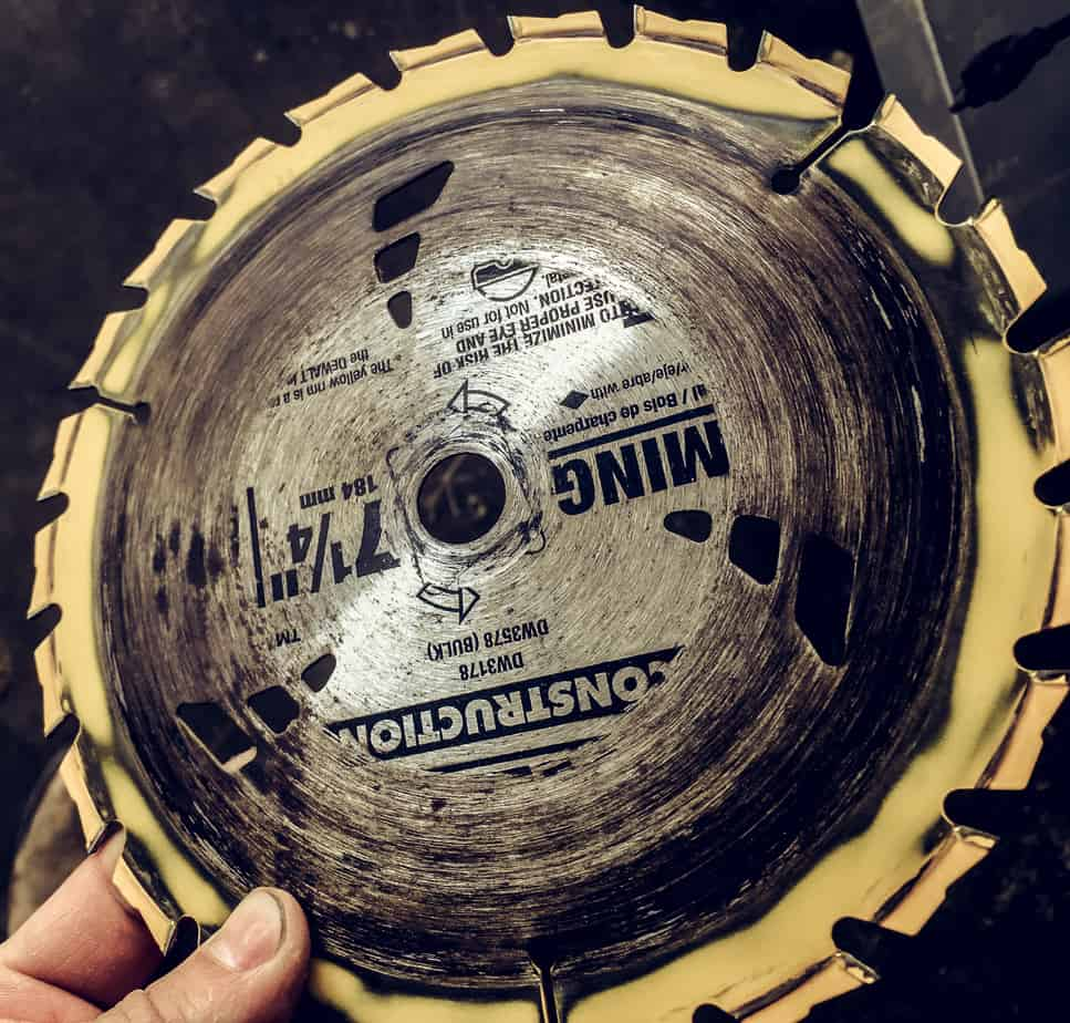 How To Clean A Dirty Saw Blade